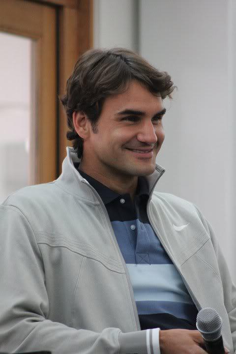 La sonrisa de Roger - Página 11 184214_182185385159597_165795846798551_446623_5793428_n