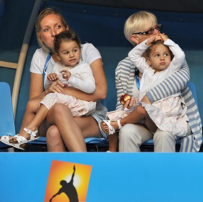 Australian Open 2012 (Melbourne) 16 - 29 Enero  - Página 15 430546_319751971402937_165795846798551_968928_1014989778_n