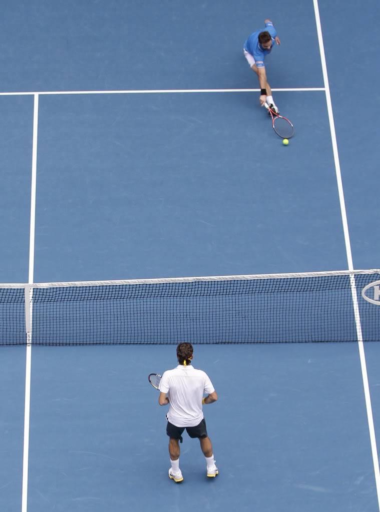 Stanislas Wawrinka y Roger Federer - Página 2 Ausopen110125qfnet01
