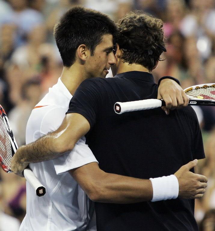 Novak Djokovic y Federer Usopen070909finalshnet05