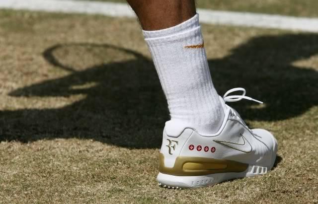 Los pies de Roger. Wimby070707semiashoe02