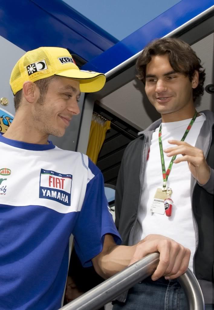 Roger y Valentino Rossi. Estoril080413motogprossi03