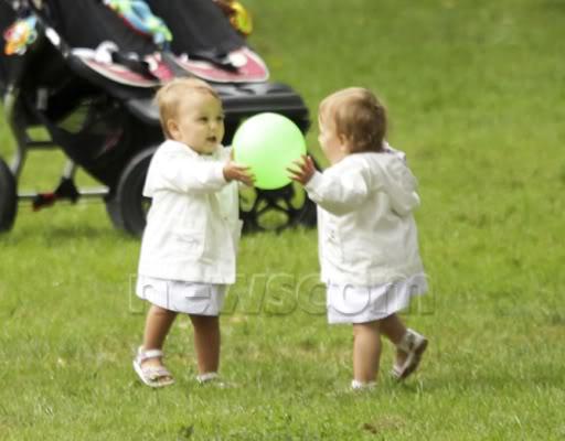 Charlene Riva y Myla Rose - Página 6 Fedtwins37