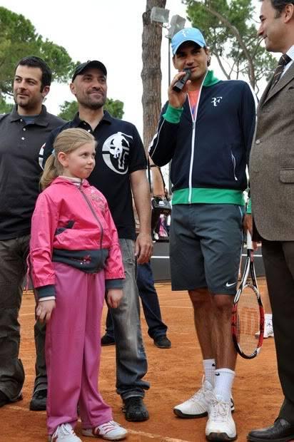 Roger y los niños Rome090427clinic09