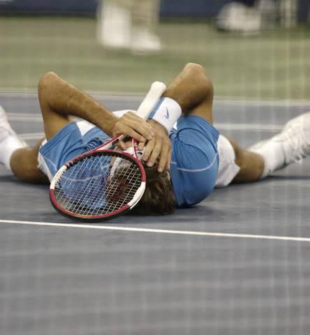 ¡Cuerpo a tierra...que viene la bola! (Roger por el suelo) - Página 2 Usopen060910finalscrlc01