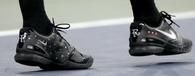Los pies de Roger. Usopen070903r16ashoe02