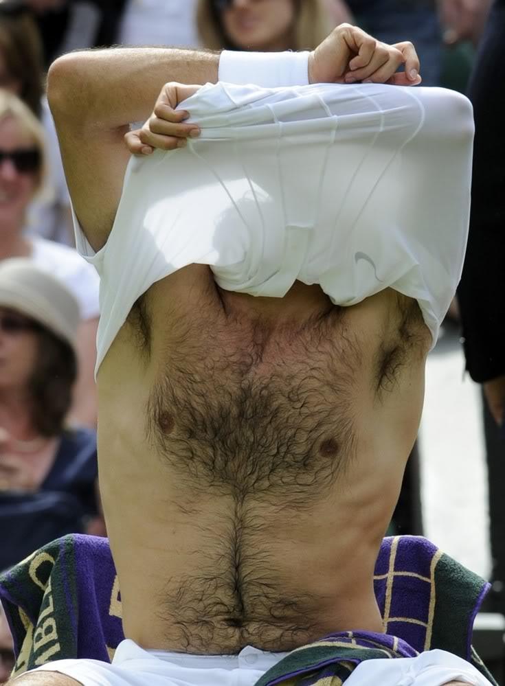 Roger sin camiseta - Página 6 Wimby100621r128rest08