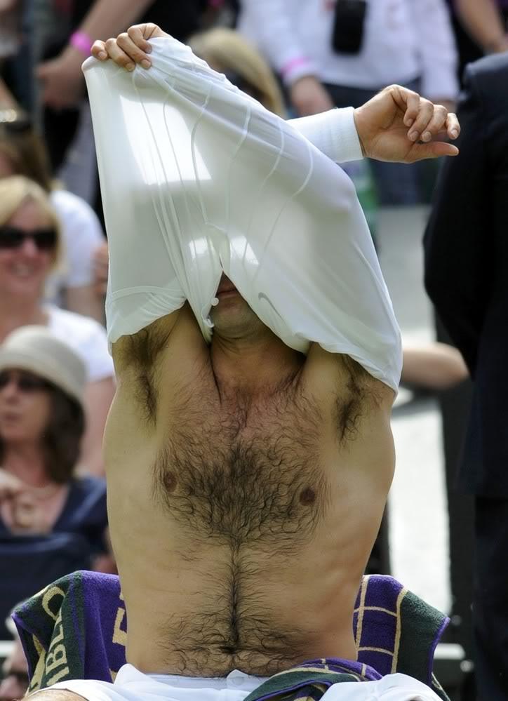 Roger sin camiseta - Página 6 Wimby100621r128rest09
