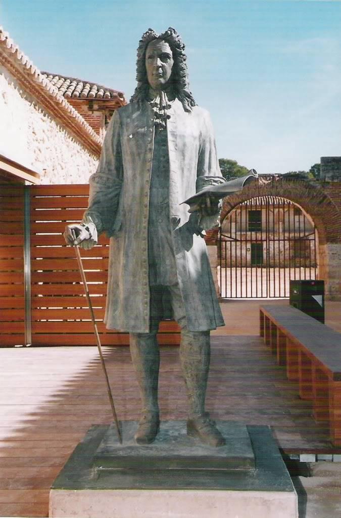 Nuevo Baztán: Entrega Premios de Investigación Histórica Juan de Goyeneche EstatuadeJuandeGoyeneche
