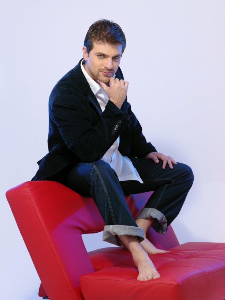 Pablo Azar/პაბლო აზარი - Page 2 0e2972bd8c6b56530123991dc95b2f83