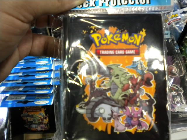 New Pokemon Products (Binders and Sleeves!) Picture010
