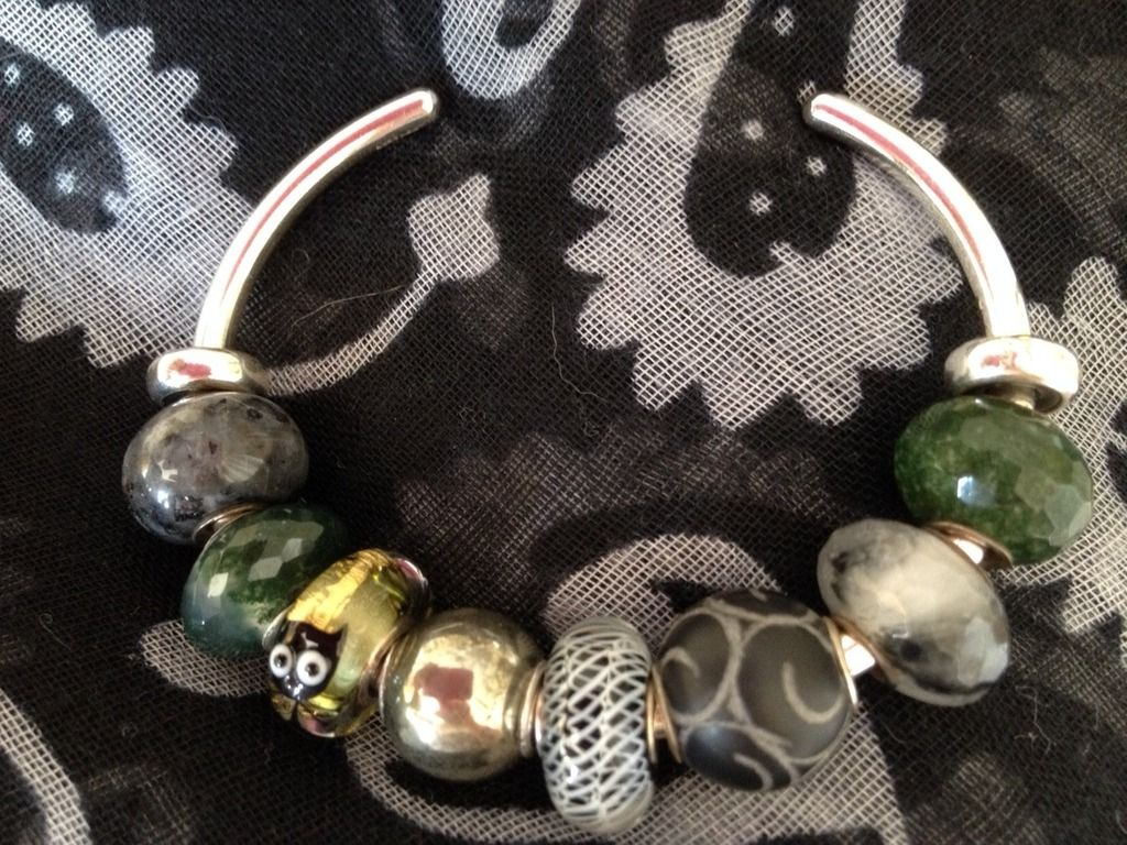 Cat among the pigeons Trollbeads%20bangle%20combo%20with%203%20beads%20from%20Vicky