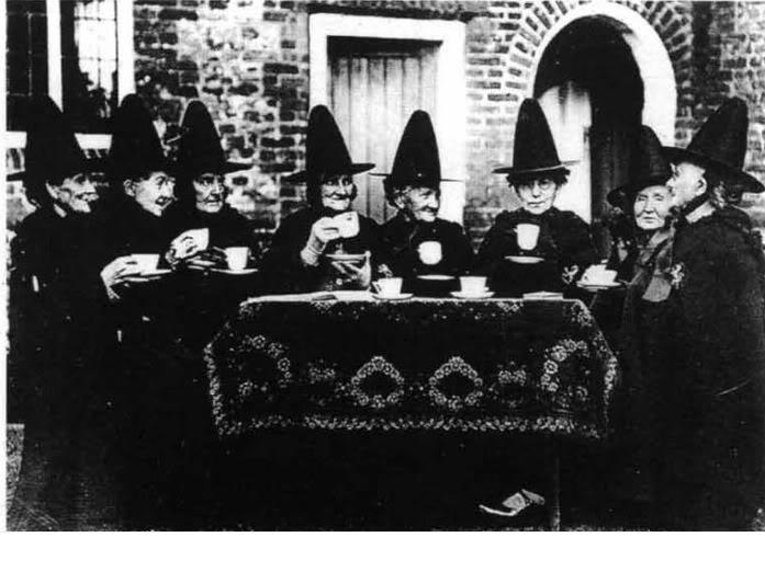 Las brujas vuelan en escoba ¿Cuál es el origen del mito? Bruxas