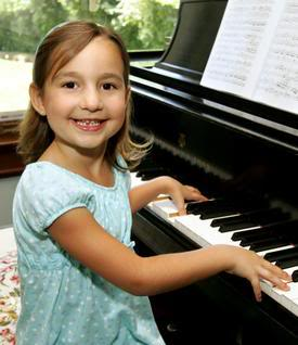 Emily Bear ¿La nueva Mozart? E2672CB44FcED6B2__profile