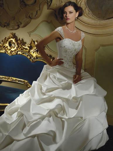 கன்னியரின் கனவுகள் திருமணப்பெண்களின் அலங்கார ஆடைகள்... Weddinggowns-3