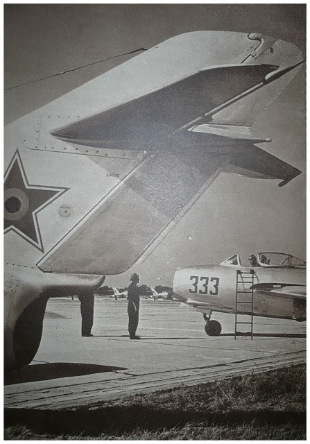 Aeronave militare - Pagina 15 MiG-15AripilePatriei1957mod29012012