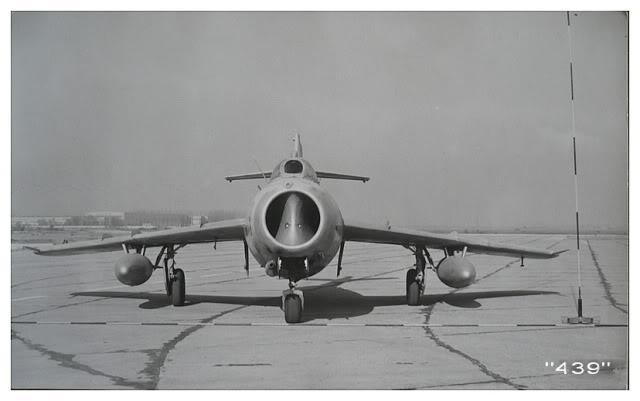 Aeronave militare - Pagina 15 MiG-17Fnr439mod20112011