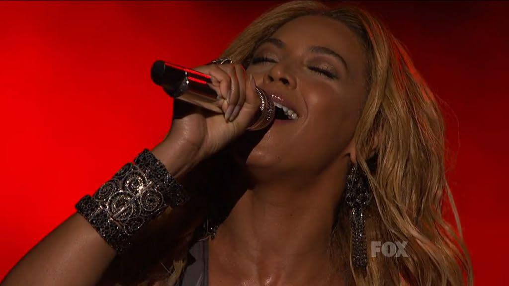 25 Mai - American Idol Finale  - Page 6 Snapshot20110526195707
