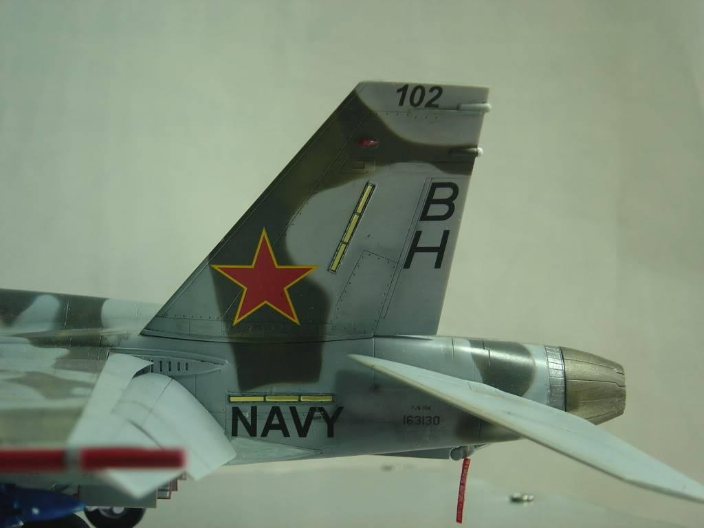 F-18A   VX-30   1/48 DSC00005