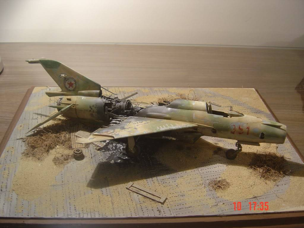 MiG 21 MF 1/48 ή πενία τέχνας κατεργάζεται... DSC02872