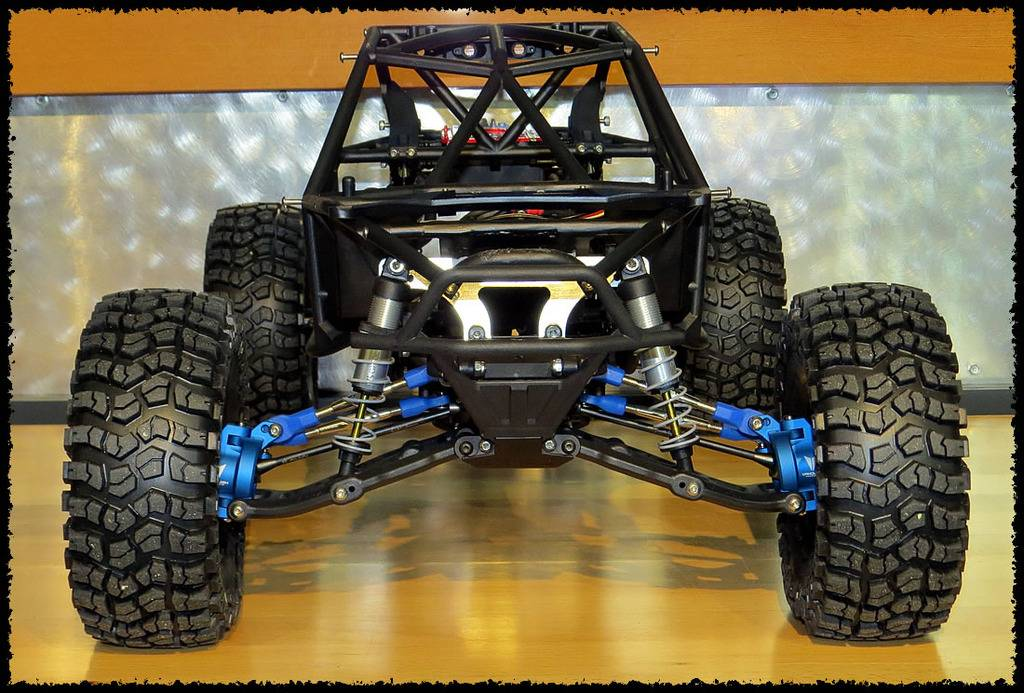 WRAITH Axial - Ultra4 Maxxis cage G-marc G04 - Page 3 B1B%20Bomber_16