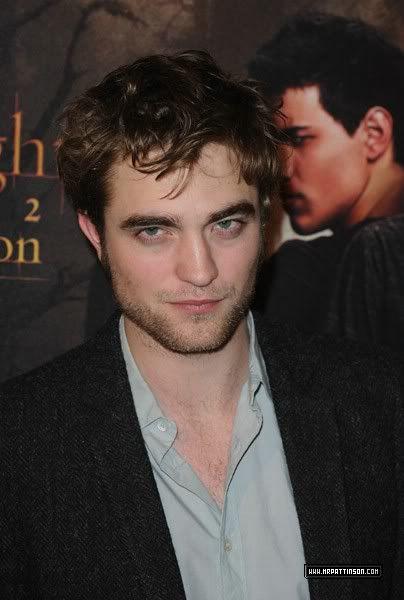 Robert Pattinson, Kristen Stewart , Taylor Lautner et Chris Weitz, à Paris, le 10 Novembre 2009... - Page 2 02