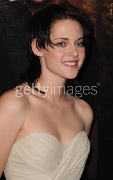 Robert Pattinson, Kristen Stewart , Taylor Lautner et Chris Weitz, à Paris, le 10 Novembre 2009... - Page 2 92952203