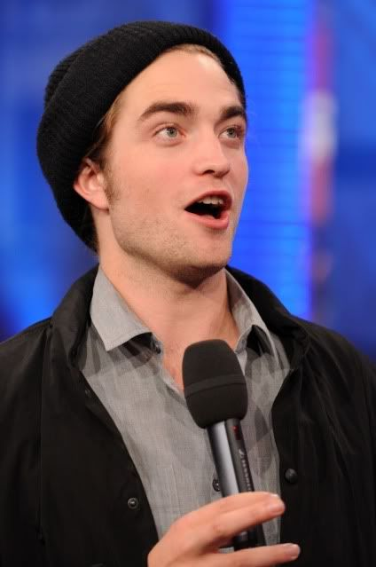 New/Old Cute Pictures of Rob Promoting Twilight at TRL (2008)  13
