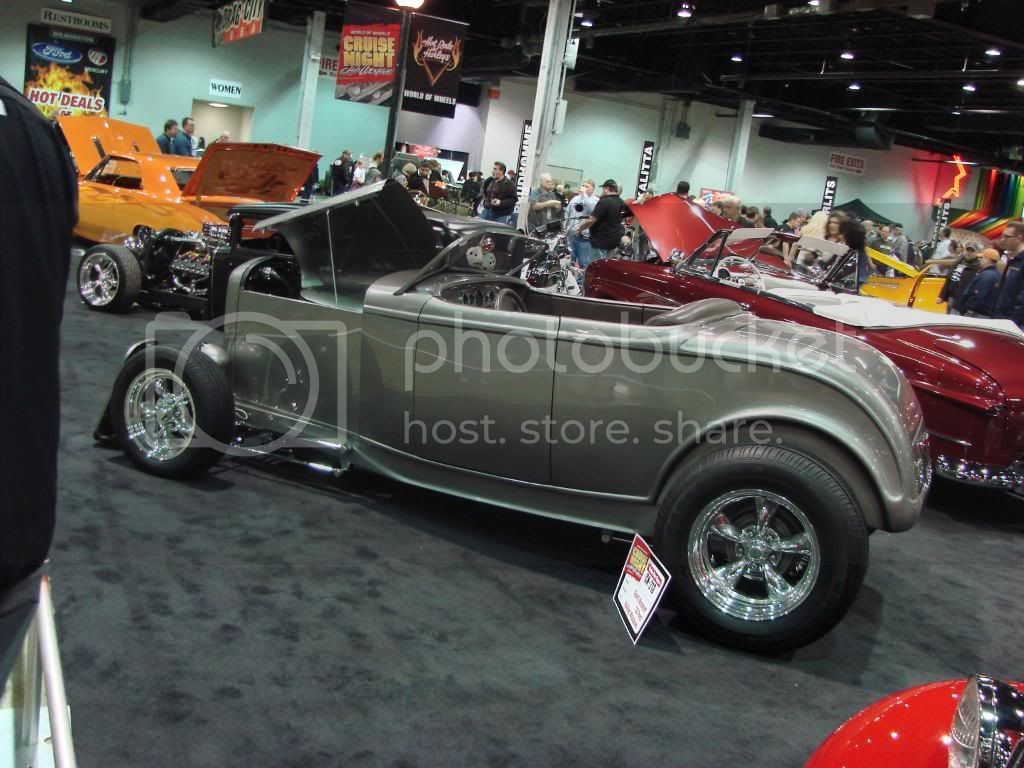 Day 3 of 4 at World of Wheels Chicago 2010. Less pics, nicer rides! DSC03505