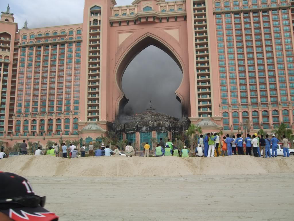 صور احتراق فندق اتلانتس جميرا..اعظم فندق في دبي.. Image010-1