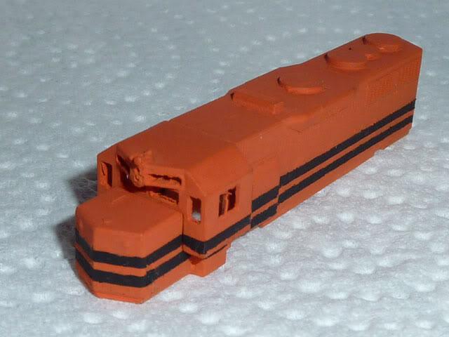 Redécoration d'une GP35 Micro-Trains P1030606
