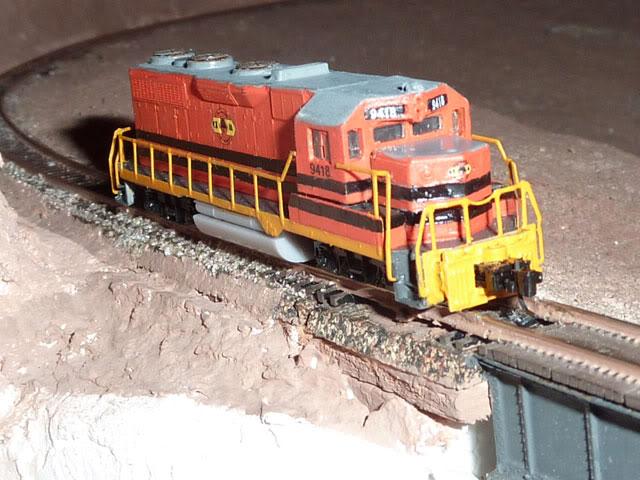 Redécoration d'une GP35 Micro-Trains P1030705