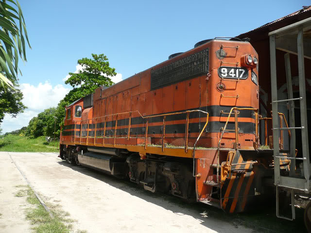 Redécoration d'une GP35 Micro-Trains P1070345