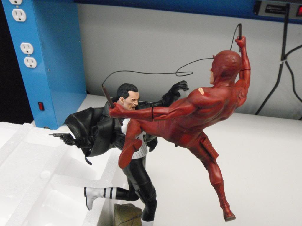 Punisher Vs Daredevil Diorama - Página 2 P9030032