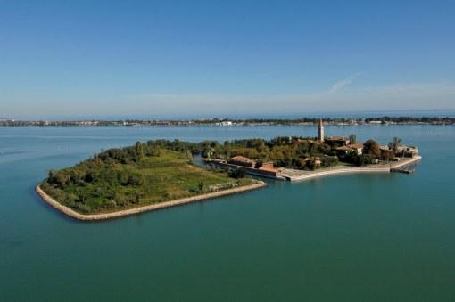 Lugares Embrujados:Poveglia: La Isla De Los Muertos Veneciana. Isla17_zps7102cbb8