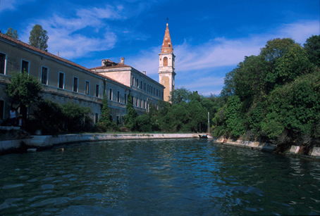Lugares Embrujados:Poveglia: La Isla De Los Muertos Veneciana. Isla20_zps5c6fe8b9