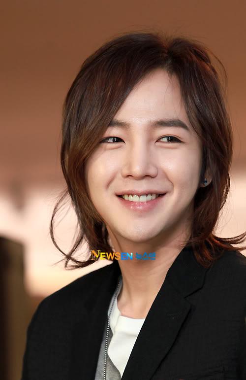 Jang Geun Suk  - Page 3 201104121840291001_1