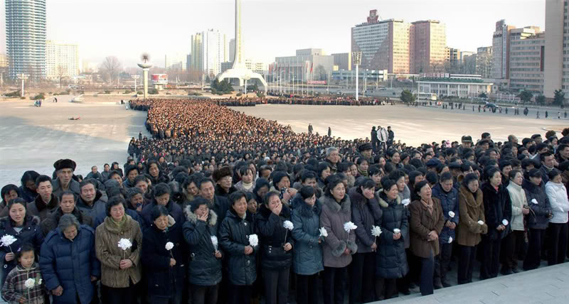 Pyongyang Traffic Girls Crying And Mourning Dear Leader Kim Jong-Il  TAf1x