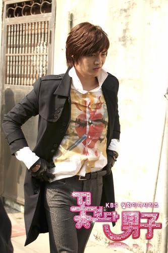 صور Kim Joon من فرقة T-Max  151002057_L