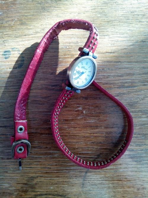 Стильные часы 9ca717c8d158c55cf6ead66867dd920d