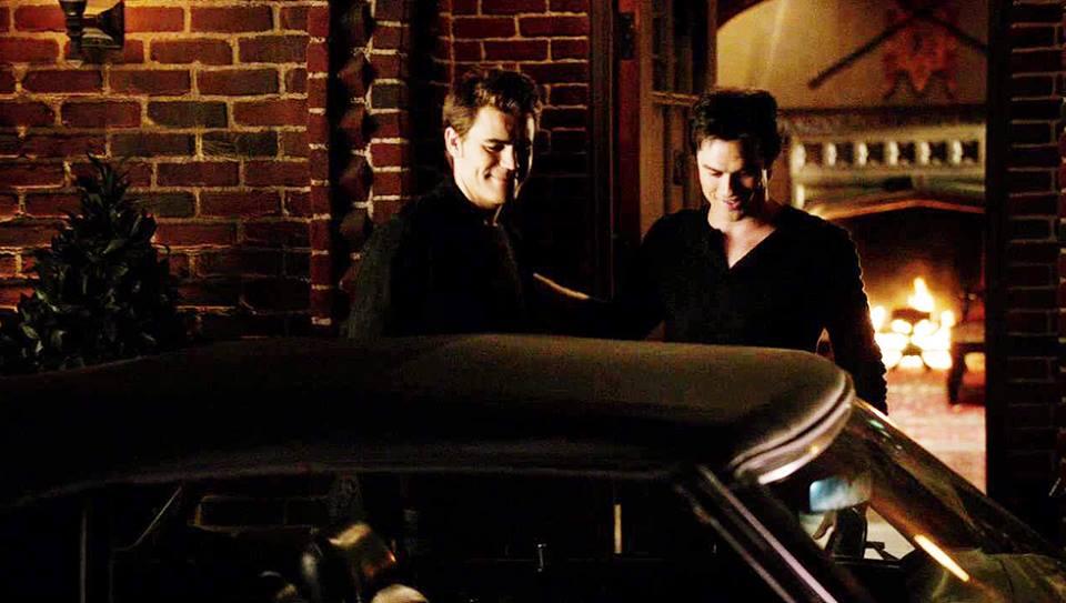 The Vampire Diaries /ვამპირის დღიურები #2 - Page 3 81b564c1a5f2f1f847f211de62a65774