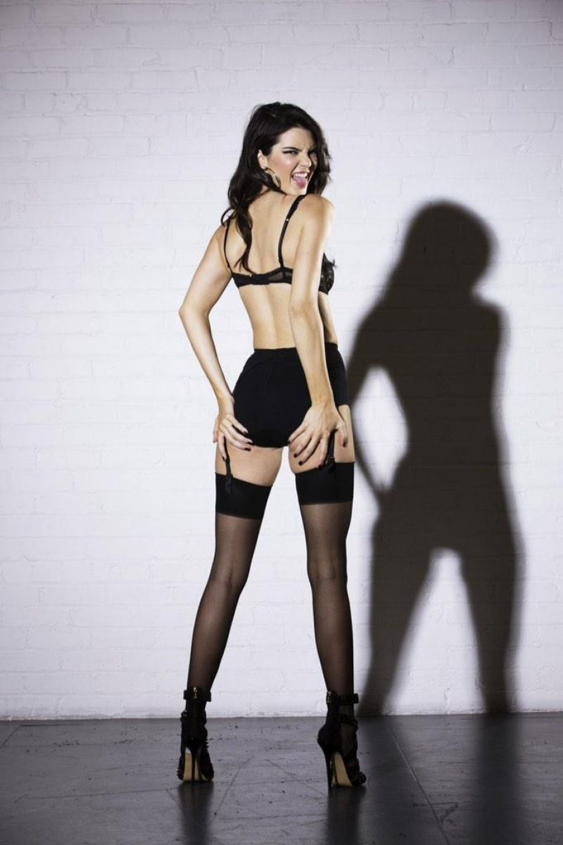 Kendall Jenner/კენდალ ჯენერი - Page 2 C79776e0fe3587a927da31ac353ef8a1