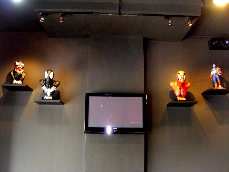 le 1er sideshow collectibles  bar (Carefree Cafe) 15