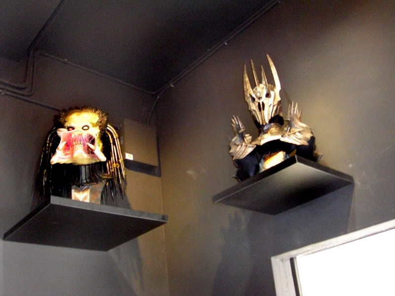 le 1er sideshow collectibles  bar (Carefree Cafe) 19