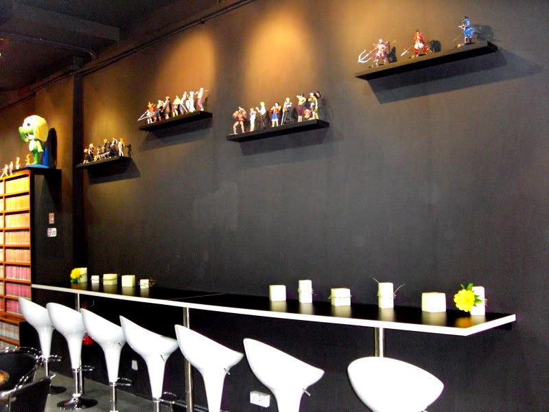 le 1er sideshow collectibles  bar (Carefree Cafe) 7