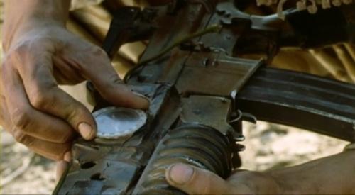 brújula - Duda del copón: se puede usar una brújula sobre un arma y/o marcadora 500px-Bravo_Two_Zero_2860compass