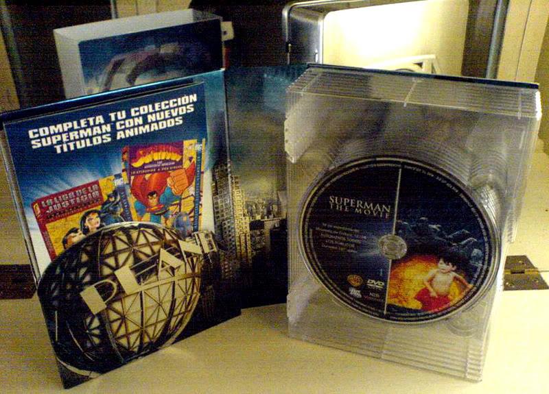 Coffret Superman Ultimate 14 DVD - Page 3 Dsc00847br0