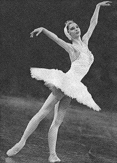 Polina Semionova - Page 2 Polinaodetteenb1jz