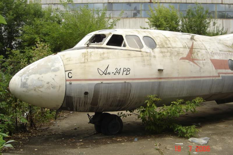 An-24, An-26 si An-30 - Pagina 2 DSC01513