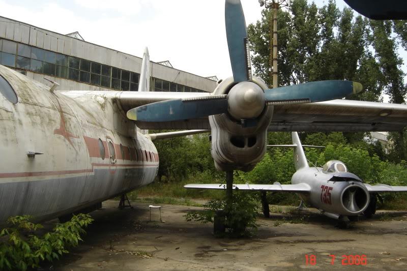 An-24, An-26 si An-30 - Pagina 2 DSC01514
